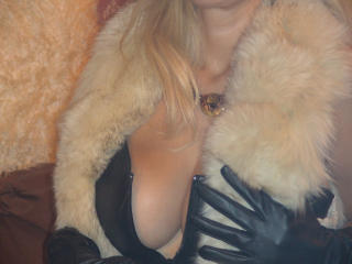 DominatrixChris - Webcam exciting with a blond Dominatrix