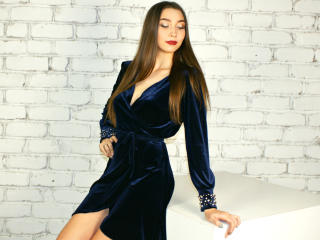 LoveMidnight - Chat sexy with a dark hair Hot babe