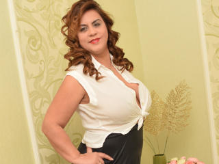 OliviaLewis - Webcam hard with this chunky Attractive woman