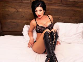 Sexy nude photo of ArieleHoe