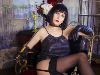 EvelinaX - Webcam live xXx with this charcoal hair Mature