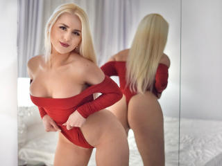MayaChrystine - Sexy live show with sex cam on XloveCam®