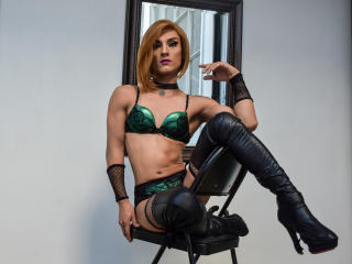 PaulynnaTS - Web cam sexy with a shaved vagina Transsexual