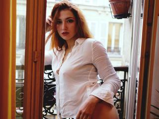 LeilaGinger - Chat hot with this shaved intimate parts Girl