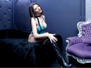 UrLuxuryDesire - Show xXx with this reddish-brown hair Mistress