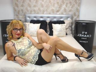 ChelyBlondex - Chat xXx with this gold hair Mature