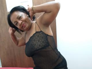 Brunettemadure - Live sexy with a black hair Mature