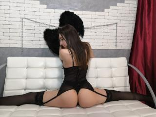 Biancasittwine - Sexy live show with sex cam on XloveCam®