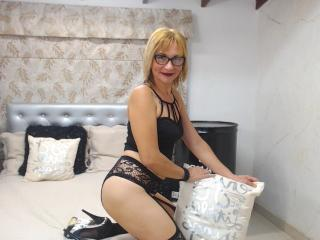 ChelyBlondex - Chat sexy with this fit physique Mature