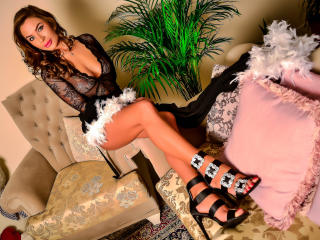 SharonMirage - Webcam exciting with this being from Europe Girl