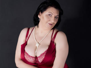 MILFPandora - Chat live hard with this brunet Lady over 35