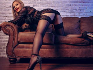 SaraLongLegs - Live hard with a large ta tas Horny lady