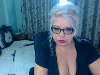 SonyaHotMilf - Live sex cam - 7847648