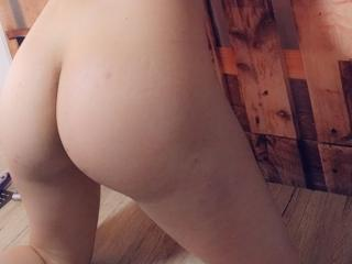 MichellePerv - Live sex cam - 8085624