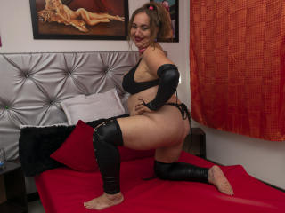 SachaMature - Live sex cam - 8195376