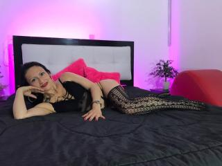 YulizaSprouse - Live porn & sex cam - 8744780