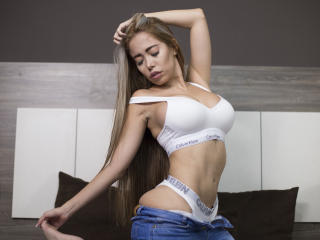 SilvanaLux - Live sexe cam - 8822212