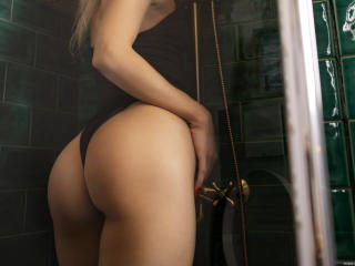 MoniqueBliss - Live sex cam - 9453636