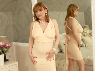 FoxyHotMilfX - Webcam nude with a auburn hair MILF