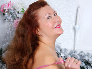 JuicyXSandra - Live cam sex with this brown hair Mature