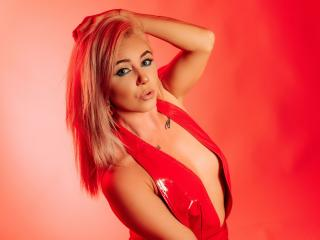 NickyBlues模特的性感个人头像,邀请您观看热辣劲爆的实时摄像表演!