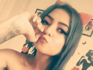 VictoriaFran - Video chat exciting with this shaved pubis Mature