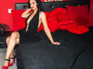 Picture of the sexy profile of TatyanaXFontaine, for a very hot webcam live show !