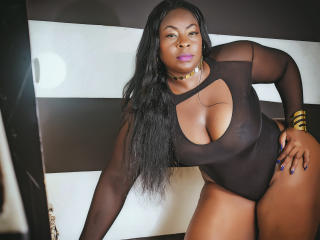 NaughtyMichelleLuv - Webcam porn with this bubbielicious Sexy mother