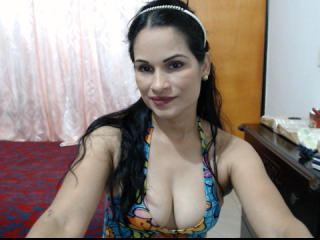 OriannaSweet - Live cam hot with this brunet Gorgeous lady