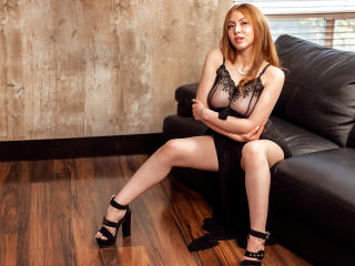 KaterinaSalvatore - Webcam live porn with a chestnut hair Young and sexy lady