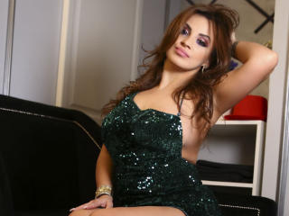 DashingFoxyX - Show hard with a White Hot babe