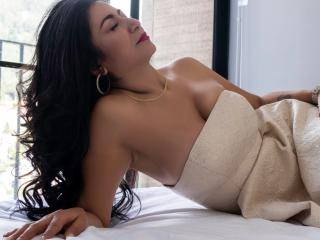 Photo de profil sexy du modèle MatureYazmin, pour un live show webcam très hot !