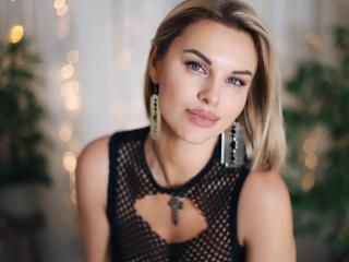 BelleLisaG - Webcam live exciting with this large ta tas Young lady