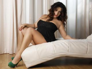Hình ảnh đại diện sexy của người mẫu JadeClover để phục vụ một show webcam trực tuyến vô cùng nóng bỏng!