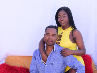 LucianoandLunita - Chat cam hot with this shaved private part Female and male couple