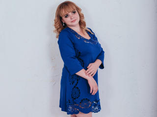 SweetLadyBoom - Chat live nude with a portly Young lady