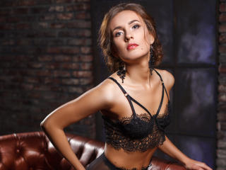 AnissaLogan - Video chat hard with this brunet Exciting young lady