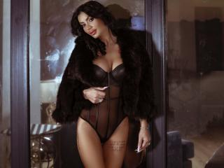 AmberWillis - Chat live hot with a black hair Young lady
