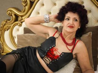 Bild på den sexiga profilen av FoxySlyde för en väldigt het liveshow i webbkameran!
