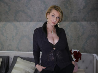 HotBlondeLadyX - Live sex with this sandy hair Mature