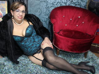 Photo de profil sexy du modèle Racheel, pour un live show webcam très hot !