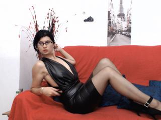 LovelyDream - Chat cam hot with a Sexy girl with average boobs