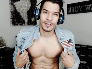 AnnZor - Chat cam sex with this Gays with an herculean constitution
