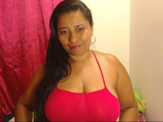 KatthyBabe - Webcam live sexy with a beefy Sexy lady