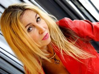 StarCrystal - Webcam live exciting with a shaved genital area MILF
