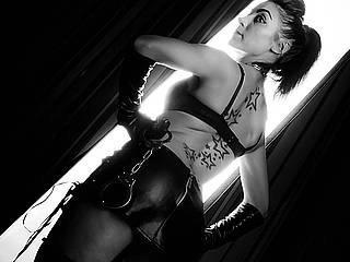 Фото секси-профайла модели YvoneDomme, веб-камера которой снимает очень горячие шоу в режиме реального времени!