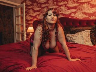 HairySonia - Chat live hot with a so-so figure Lady over 35