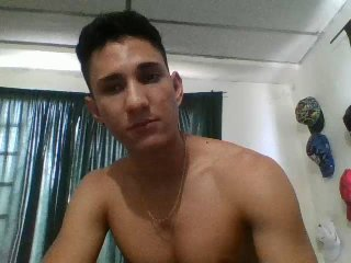 Picture of the sexy profile of BigJohan, for a very hot webcam live show !