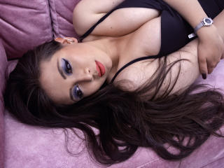 Picture of the sexy profile of AngieLovee, for a very hot webcam live show !