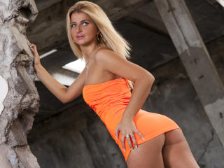 Sabinne - Cam xXx with a being from Europe Horny lady